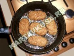 куриные котлеты, фаршированные сыром   приготовление - 8 шаг
