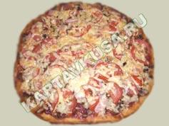 Домашняя пицца с ветчиной и грибами