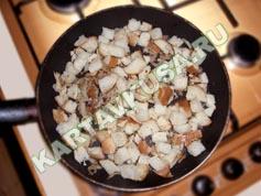 пицца на сковороде из хлеба | приготовление - 2 шаг
